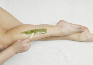 what is the difference between sugaring and waxing