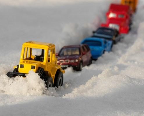 Vorurteile gegen Elektroautos Stau im Winter
