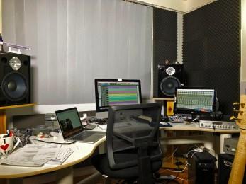Wayne-Jones-home-studio