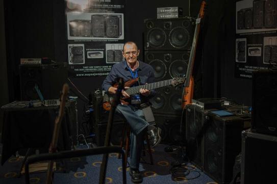 Wayne-Jones-AUDIO-MelbGuitarShow1