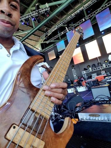 David Dyson at Seabreeze Jazz Festival 2017 with the Wayne Jones AUDIO bass guitar rig