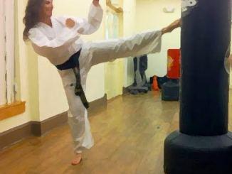 Andrea Round Kick