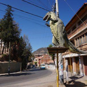 Dinosaure pour décorer la rue, à Sucre