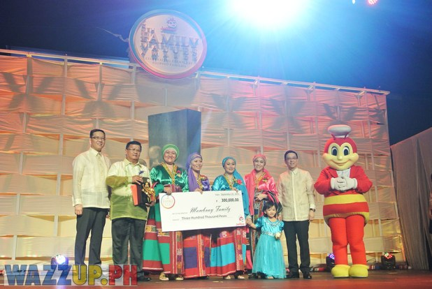 Jolibee 5th Family Values Award Philippines Joseph Tanbuntiong President Blog Blogger Duane Bacon Mambuay Religion Muslim Catholic Mindanao Lumad Tribe