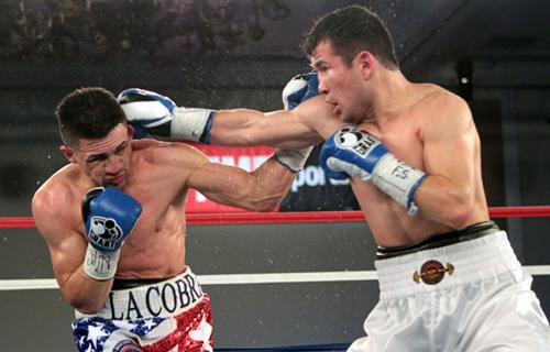 Shocker: Mamadjonov KOs Santana; Oliveira stops Coyne in WBA eliminator
