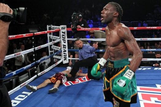 Walters retains WBA Featherweight Title