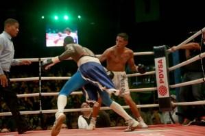 Photos: Johan Pérez retained his super lightweight Interim title