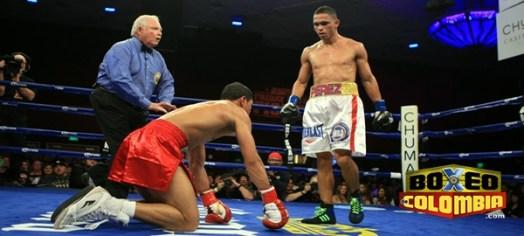Photos: Darleys Perez retains 135 lbs belt
