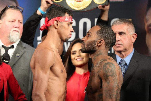 Weigh-in is no problem for Machado and Evans