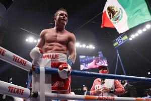 """Canelo"" crushed Smith in Texas and confirms his position as the P4P King of Boxing"