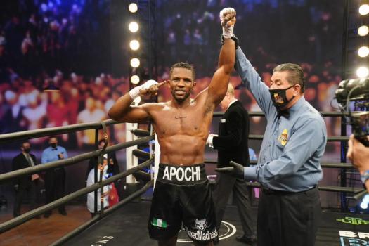 Efetobor Apochi ganó por KOT a Deon Nicholson en eliminatoria AMB