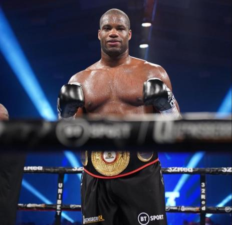 Dubois regresó en gran forma y conquistó el título interino de la AMB ante Dinu
