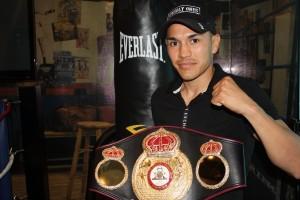 """""""Gallo"""" Estrada defends on Saturday"""