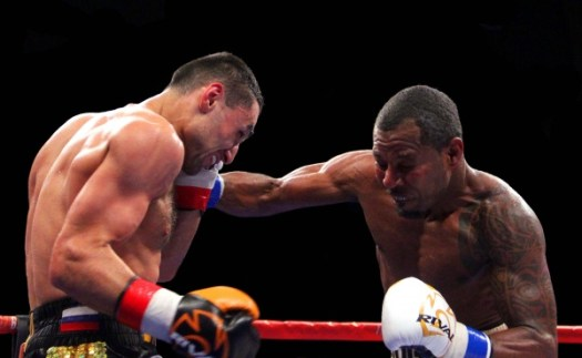 Shane Mosley didn't embarrass himself. Shane Mosley never embarrasses himself. He had his moments. (Photo: Sumio Yamada)