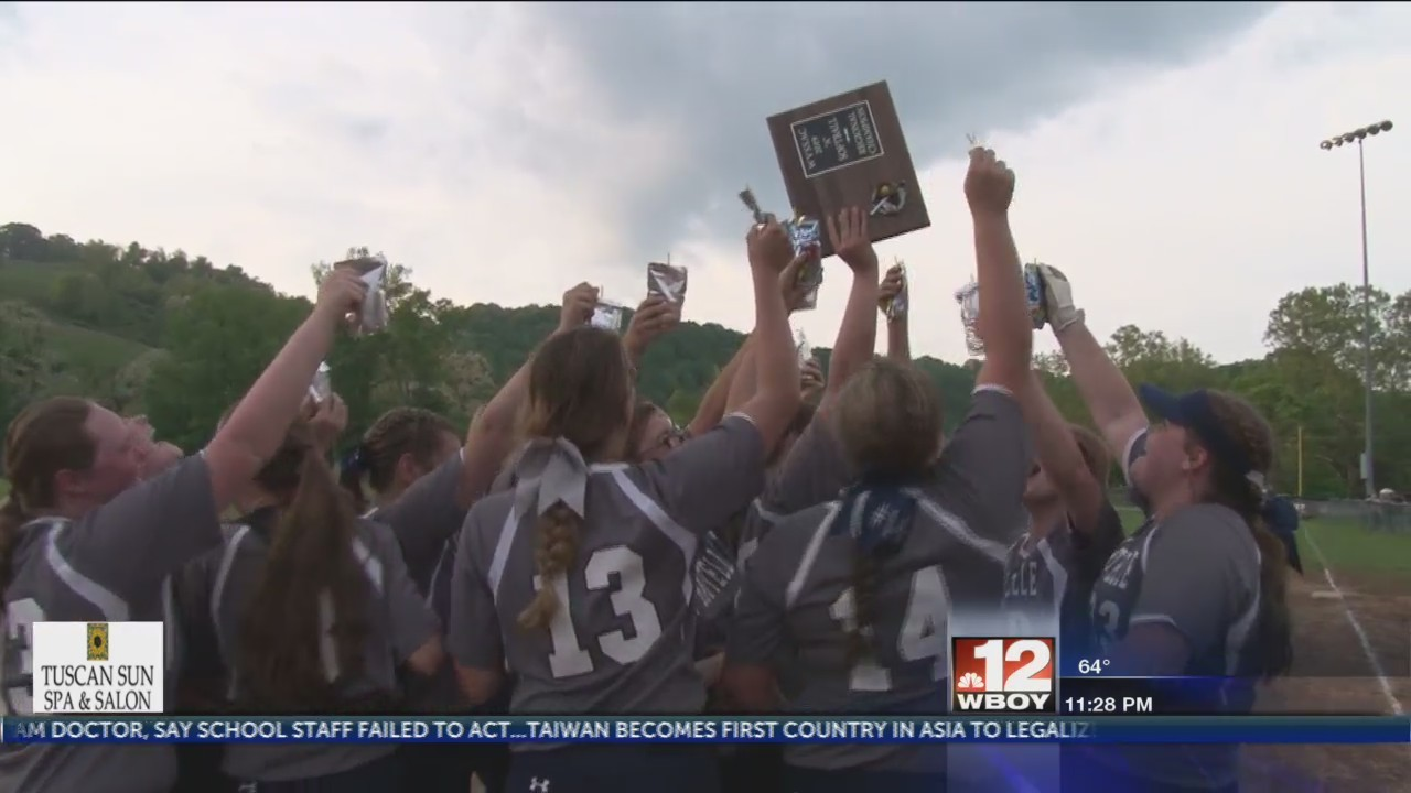 Clay-Battelle softball beats Moorefield, qualify for state tournament for first time in school history