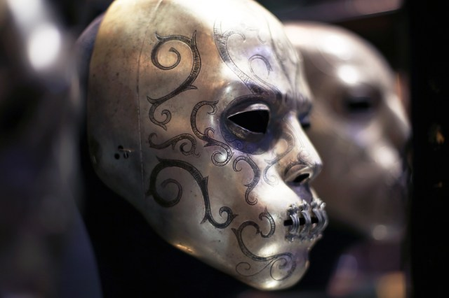 Maschere da Mangiamorte esposte agli Studios di Londra