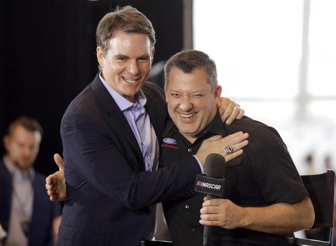 NASCAR Hall of Fame Auto Racing_1558580322294