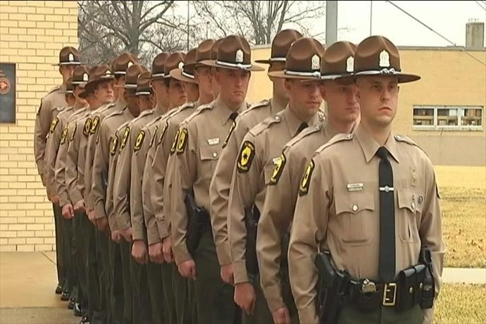 illinois state police trooper cadets_-1613094617944275886
