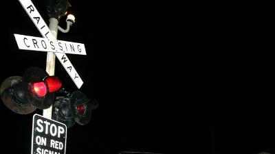 railroad-crossing-sign-jpg_20160530000900-159532