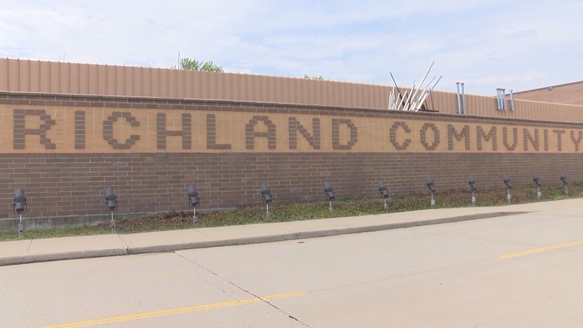 richland community college (2)_1557350059996.jpg.jpg