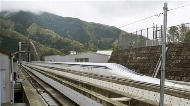 4-21-15 Train_80842