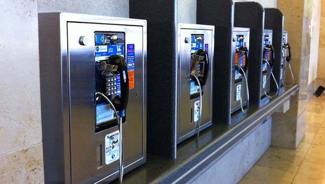 pay_phone_bank_270984
