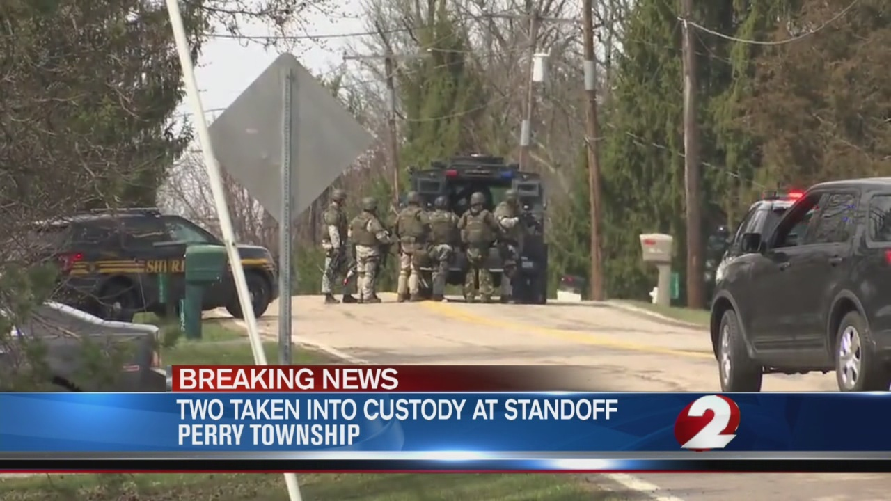 Two_in_custody_after_standoff_0_20180330211248