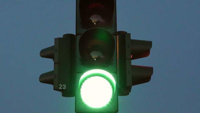 generic_traffic_light_green_221750