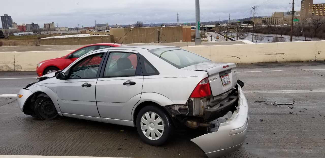 car vs semi 2_1546012979393.jfif.jpg