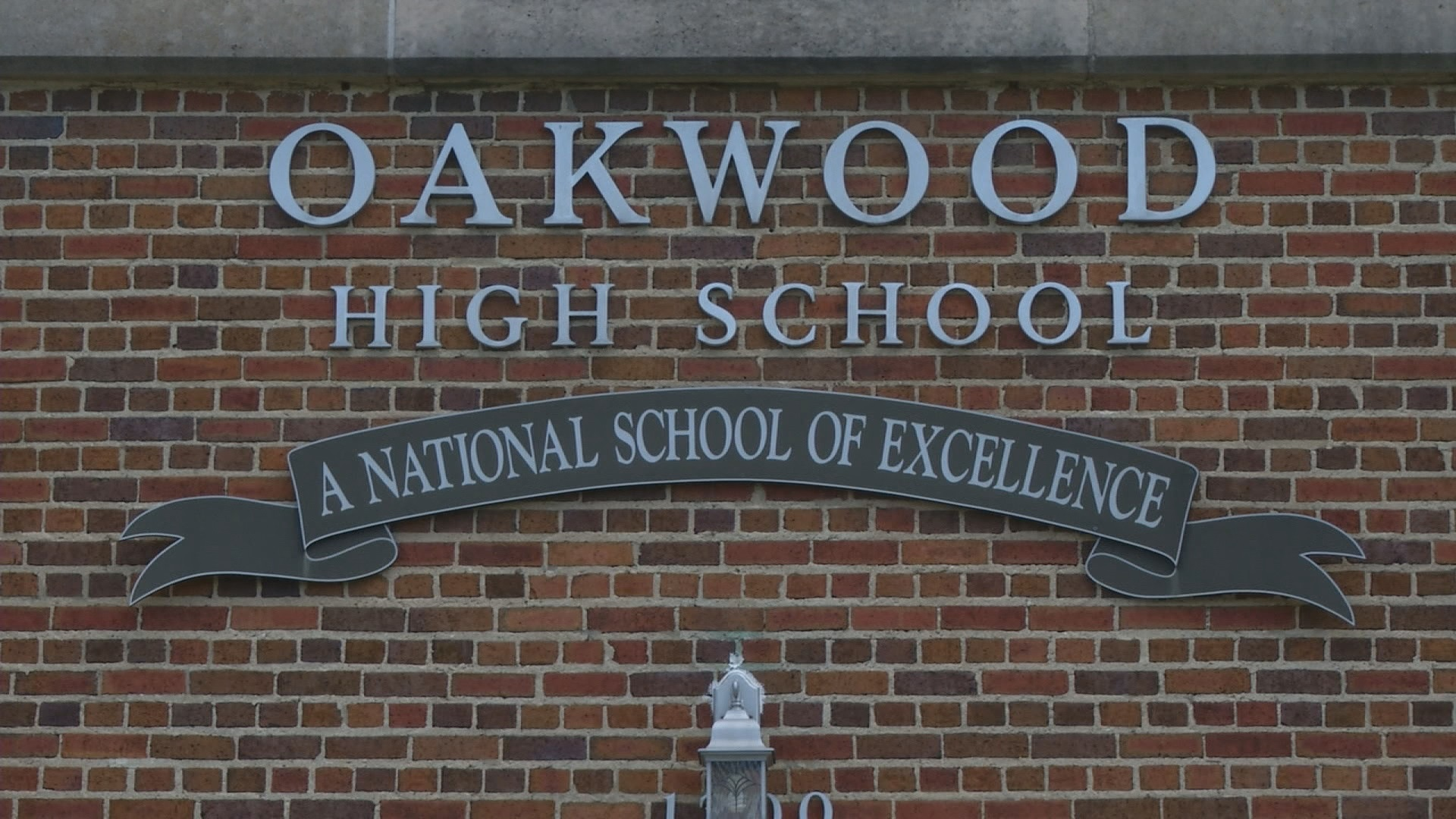 oakwood_1544532914749.jpg