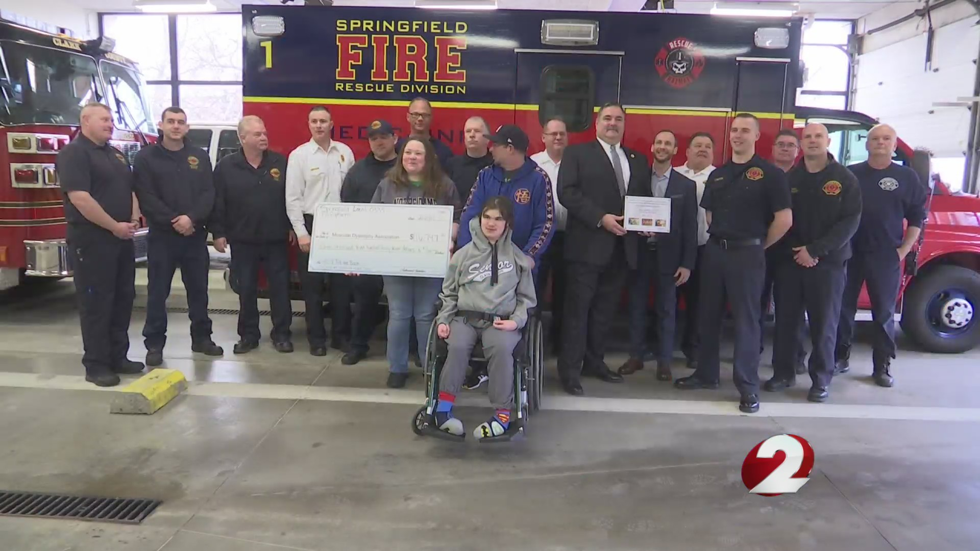 Firefighters donate to MDA