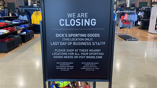 dick's springfield closing sign_1552334524399.jpg.jpg