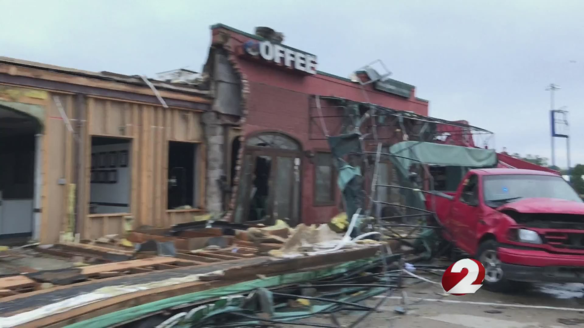 'Devastation' as tornado rips through Louisiana town