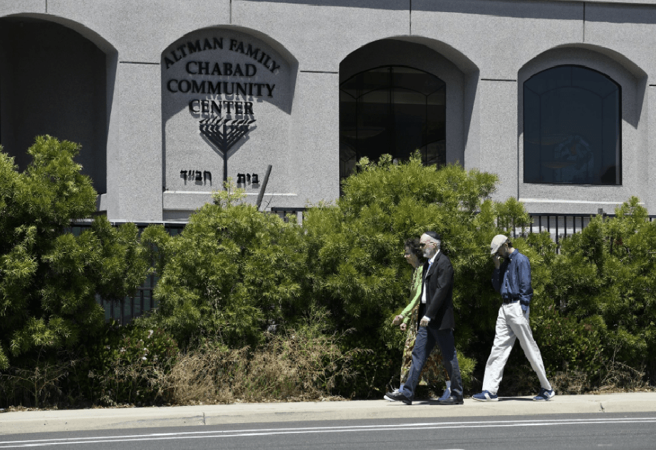 synagogue san diego shooting_1556411966645.png.jpg