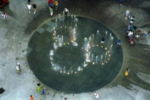 mickey fountain - disney