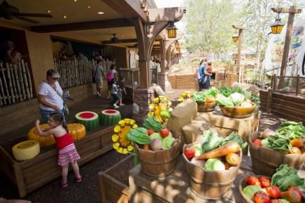 Many Adventures of Winnie the Pooh Queue - disney