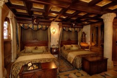 cinderella-castle-suite-disney