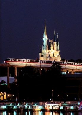 monorail-red-disney
