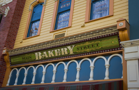 Main Street Bakery | A sign above Main Street Bakery on Main… | Flickr copyright HarshLight