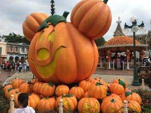 Halloween decorations at Hong Kong Disneyand