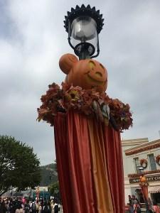 Hong Kong Disneyland Halloween decorations