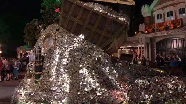 LIVE video – Mickey's Boo-To-You Halloween Parade from Mickey's Not So Scary Halloween Party #LetsBooThis #NotSoScary