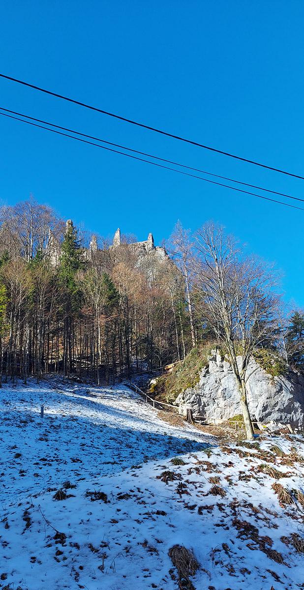 Burgruine Scharnstein von unten