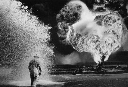 Salgater-Burhan-Oil-Field-Kuait-1991.jpg