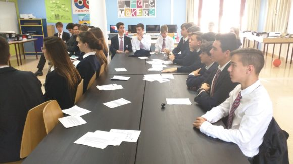 Eduardo G Vega imparte un taller de Radio a los alumnos de WeAlboran