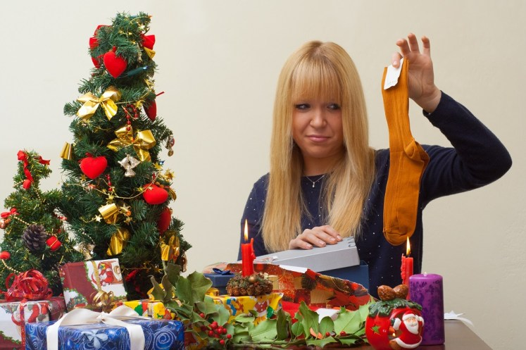 how to avoid getting and giving holiday gifts