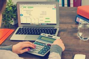 How do I calculate income tax in India?