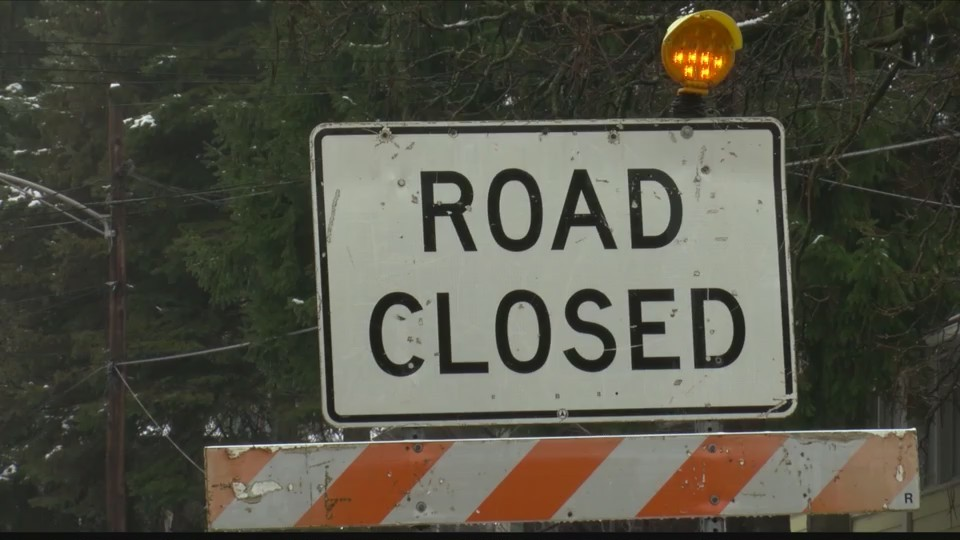Road_closed_after_rockslide_in_Cambria_C_0_20180219223327