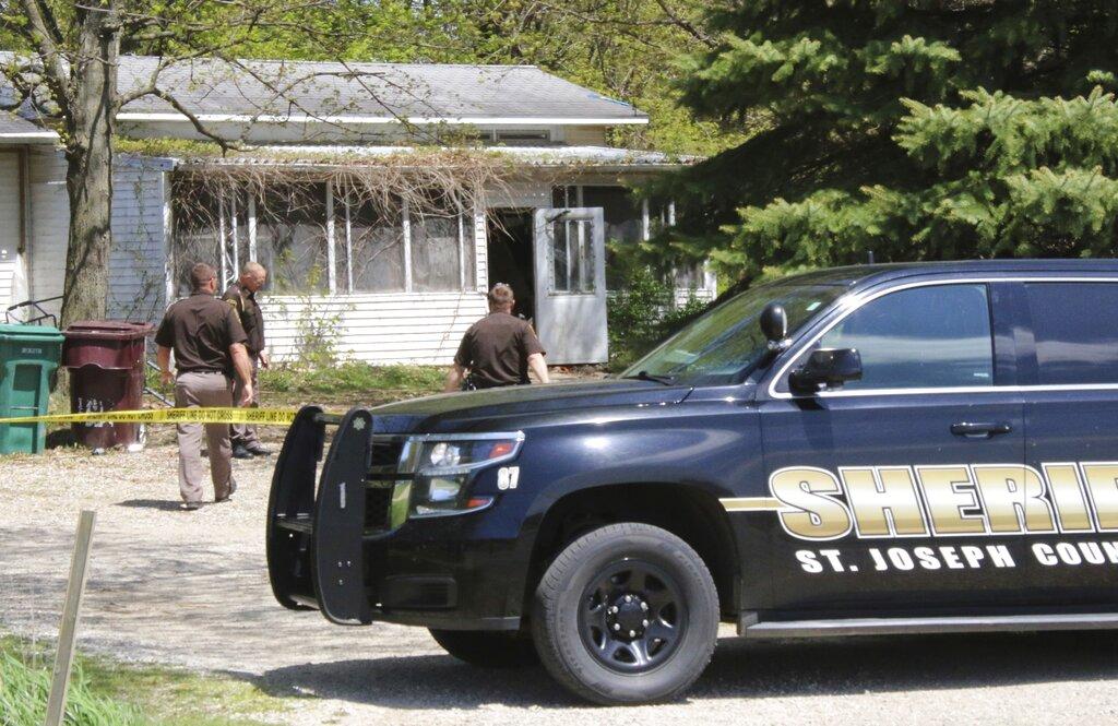 Woman Slain Child Suspect_1557358233976
