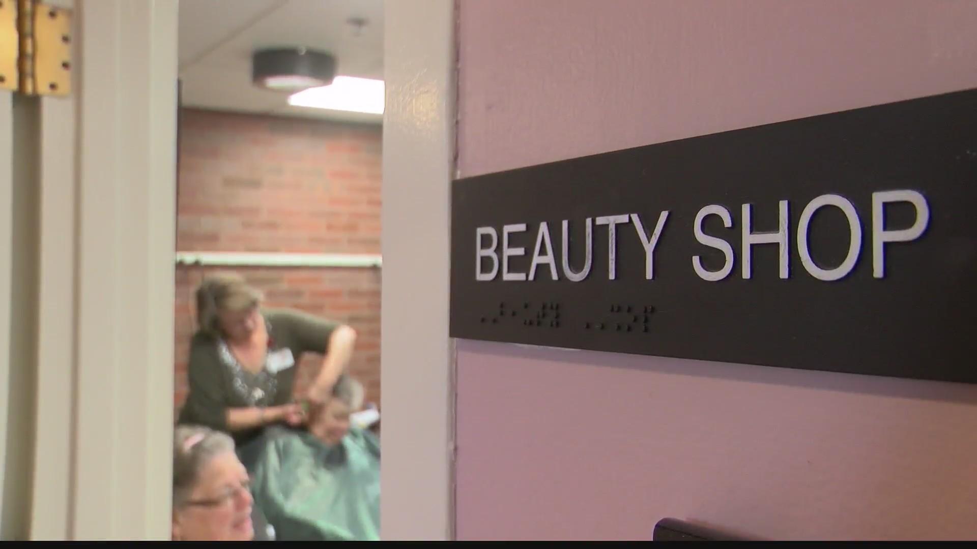 Free beauty shop at Centre Crest